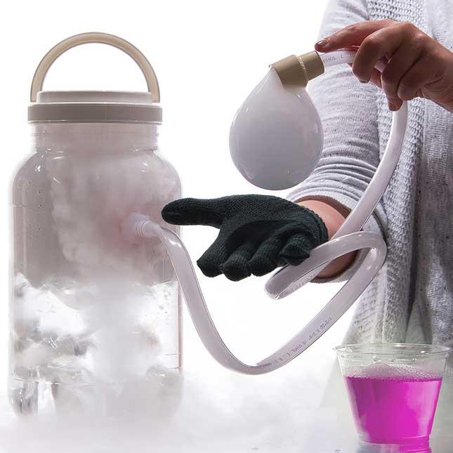 Boo Bubbles™ - Dry Ice Smoke Bubbles